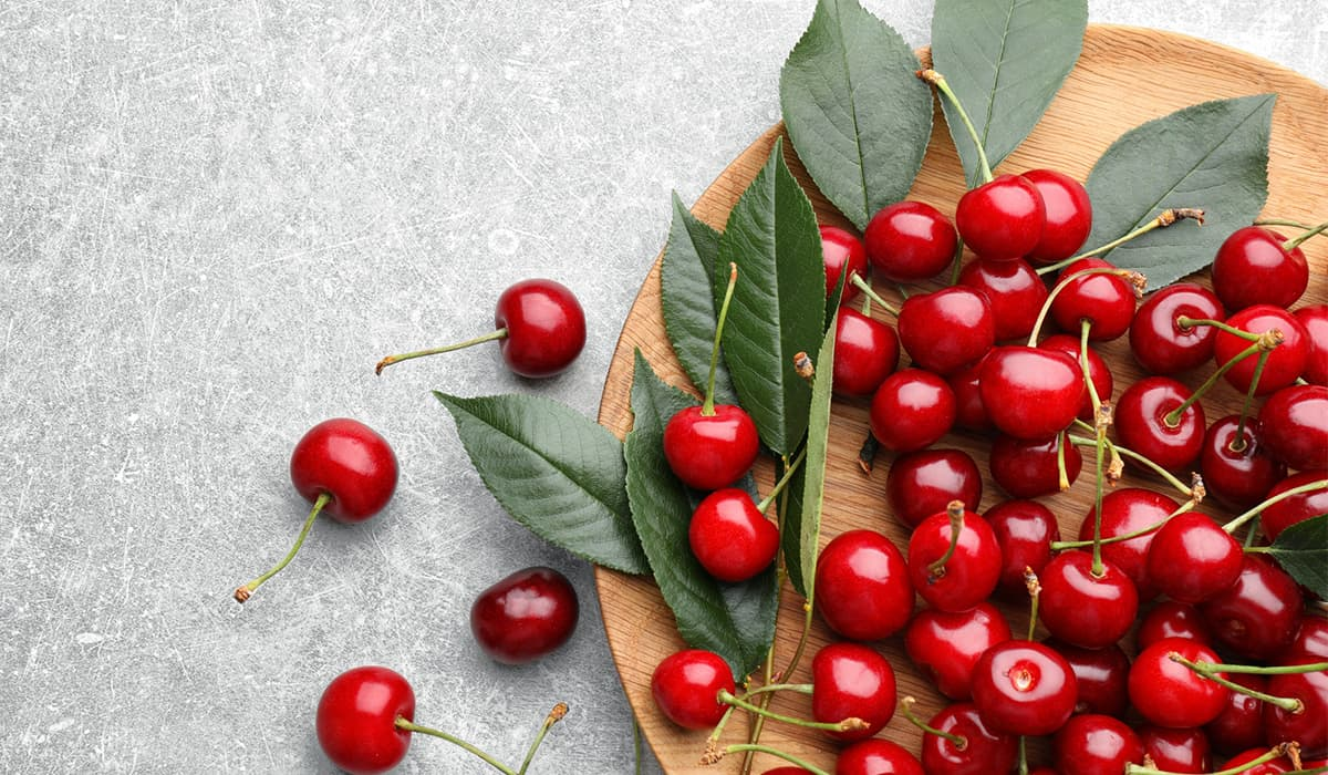 Spring fruits - Cherries in season