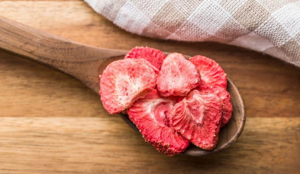 Serving suggestions for freeze-dried fruit