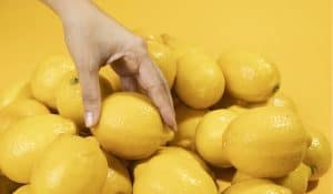 How many lemons in a pound, bag, or case?
